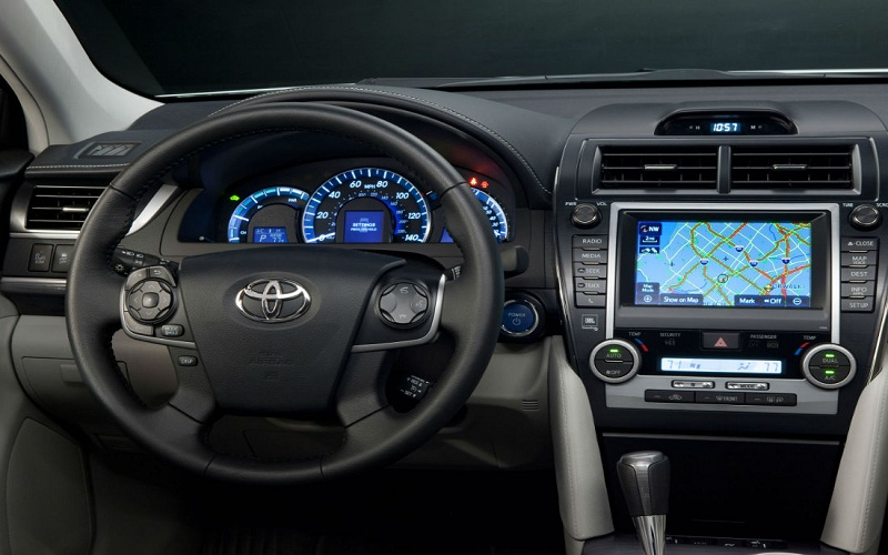 android-and-iphone-adding-amazing-features-in-the-latest-cars-1