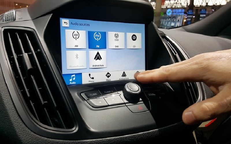 android-and-iphone-adding-amazing-features-in-the-latest-cars-2